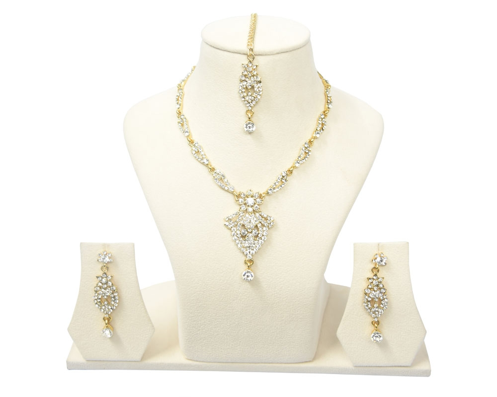 Beads India Alabaster Gleam Necklace Set 290916