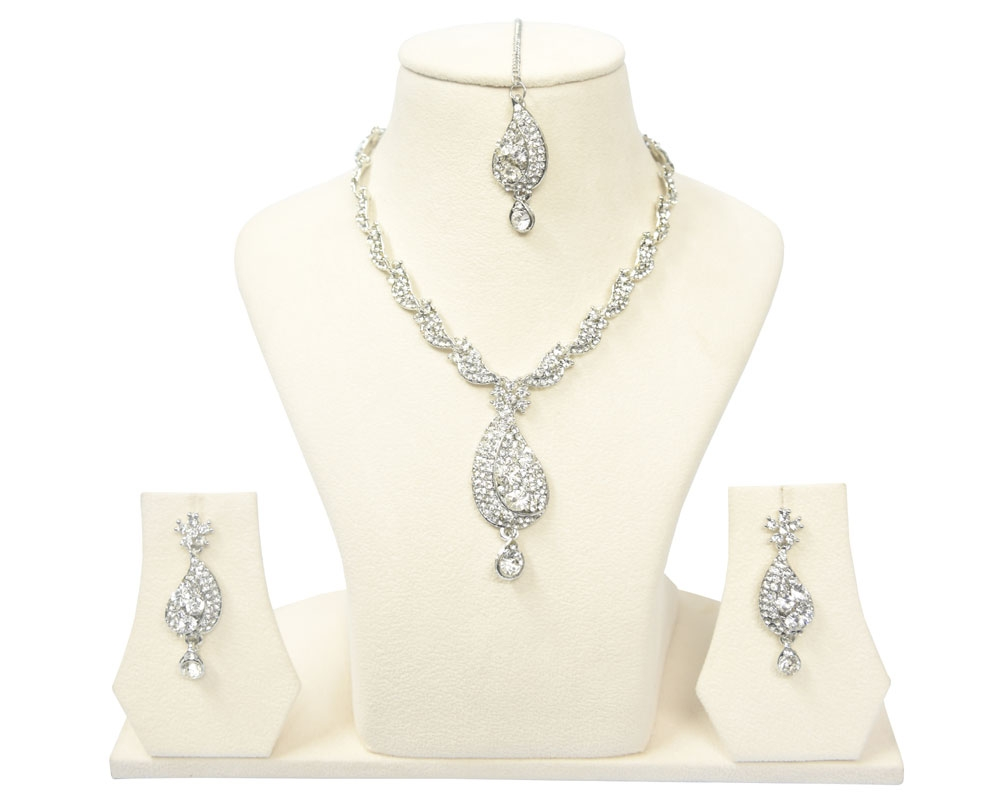 Beads India White Swan Necklace Set 290916