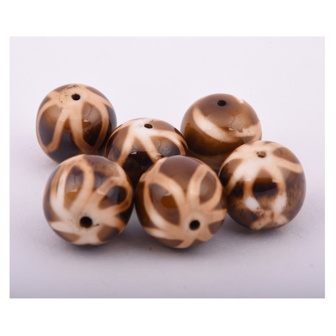 Beads India 1700038 Handcrafted Resin Beads/Discounts Above 500 pcs